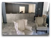 отель The Terrace Hotel & Restaurant: Ресепшен