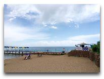 отель Три Короны: Пляж отеля