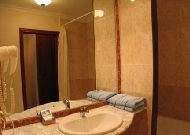 отель Turkestan: Ванная в номере