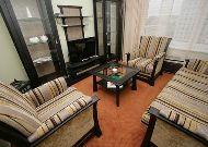 отель Юбилейный: Гостиная улучшенного номера Люкс