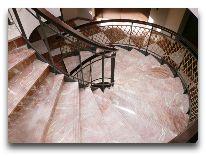 отель Vanagupe: Лестница