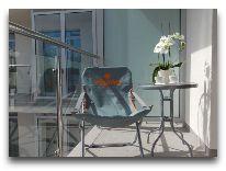 санаторий Verano: Балкон в апартаментах с видом на кафе Патио