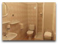 санаторий Verano: Ванная комната в двухместном номере корпус В