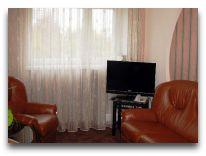 отель Ветразь: Люкс Гостиный двор гостиная
