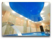 отель Виктория: Закрытый бассейн