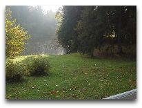 отель Vihula Manor Country Club & Spa: Скамейка у озера