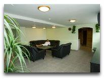 отель Viiking: Комната отдыха при сауне