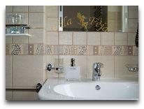 отель Villa Feja: Ванная в четырехместном номере