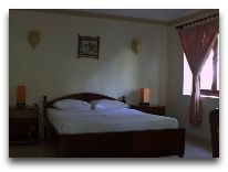 отель Vinh Suong Seaside Resort: Family Room