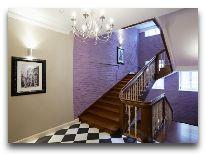 отель Vintage Boutique: Лестница в отеле