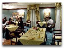 отель Violeta: Ресторан