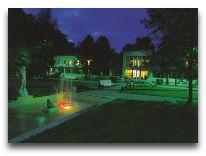 отель Wasa: Вечером в парке отеля