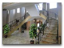 отель Watanchy: Парадная лестница
