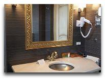 отель Weekend Boutique Hotel: Ванна двухместного номера