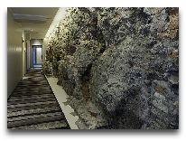отель Wellton Centrum Hotel & Spa: Городская стена, дизайн отеля