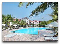 отель White Sand Doclet Beach Resort & Spa: Бассейн