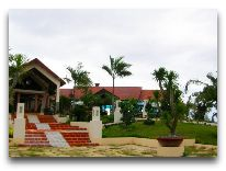 отель White Sand Doclet Beach Resort & Spa: Вход в отель