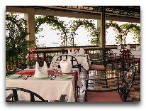 отель Windsor Plaza Hotel Saigon: Открытое кафе