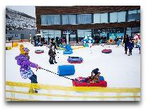 отель Zirve Hotel: Детская площадка зимой