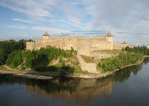 Эстония: общая информация, фото: Нарвская крепость