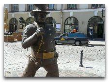 Эстония: общая информация, фото: Памятник Трубочисту