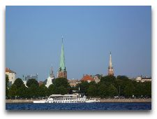 Латвия: информация для туристов, фото: Панорама Риги с реки