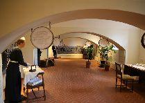 Замок Алатскиви: Музей восковых фигур
