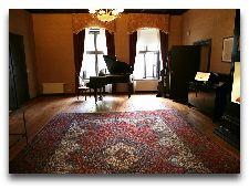 Замок Алатскиви: Музыкальный салон