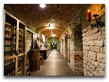 Ресторан Baieri kelder: винный шкаф