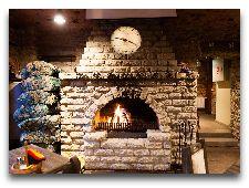 Ресторан Baieri kelder: Камин в главном зале
