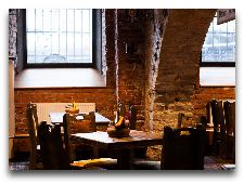 Ресторан Baieri kelder: Уголок зала