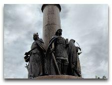 Достопримечательности Бреста: Музеи и Памятники: Памятник 1000-летию Бреста