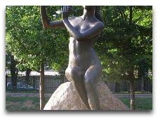 Достопримечательности Бреста: Музеи и Памятники: Девушка с флейтой