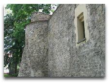 Достопримечательности города: Оборонительные стены