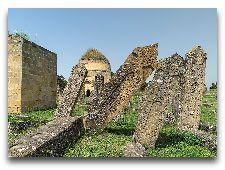 Достопримечательности Шемахи: Мавзолей Едди Гюмбез