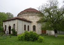 Достопримечательности Шеки и его окрестностей: Албанский храм в Шеки