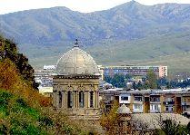 Достопримечательности Гори: Церковь у подножья крепости
