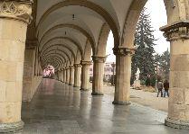 Достопримечательности Гори: Коллонада музея Сталина в Гори.