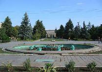 Достопримечательности Гори: Сквер перед музеем Сталина