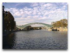 Достопримечательности Тбилиси: Стеклянный мост