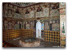 Дворец Шекинских Ханов: Зал отдыха во дворце