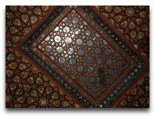 Дворец Шекинских Ханов: Потолок во дворце