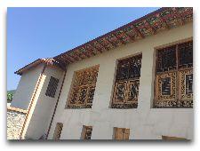 Дом Шекихановых