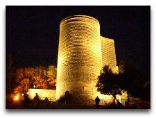 Главная достопримечательность Баку - Девичья башня: Девичья башня ночью