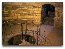 Главная достопримечательность Баку: Девичья башня, внутри