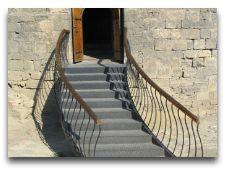 Главная достопримечательность Баку - Девичья башня: Вход в Девичью башн.