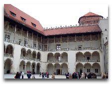 Музеи Кракова: внутренний двор Вавельского замка