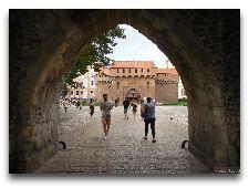 Достопримечательности Кракова: Флорианские ворота и башня Барбакан
