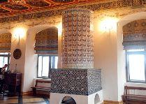 Мирский замок: Изразцовая печь в зале