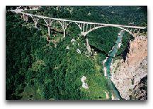 Экскурсии по Черногории: мост через каньон реки Тара